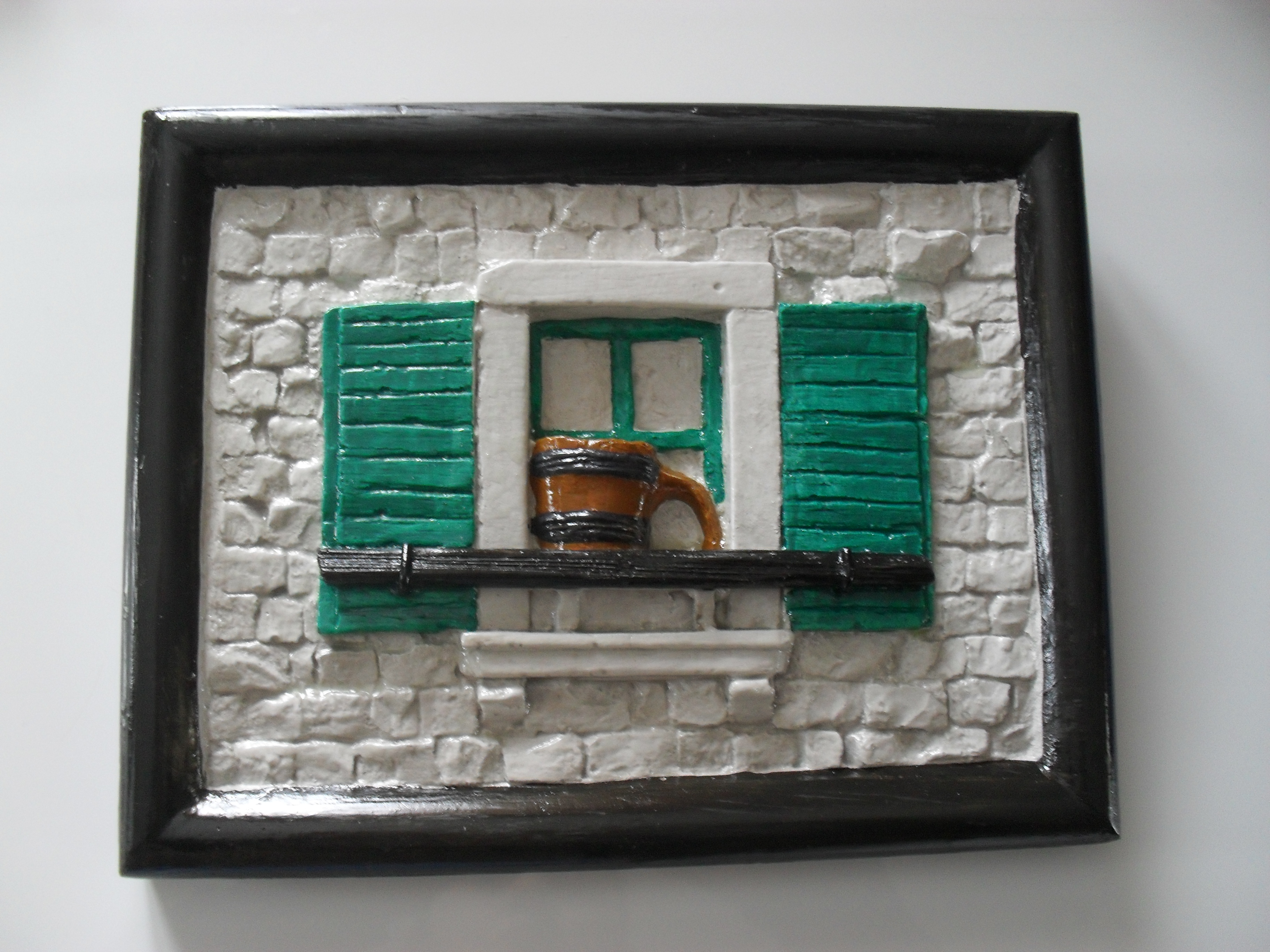 Naziv: Benkovac – Kaštel    Dimenzije:  š*v = 18 x 16 cm    Napomena: Pozadi se nalazi  zakačka za kačenje na zid